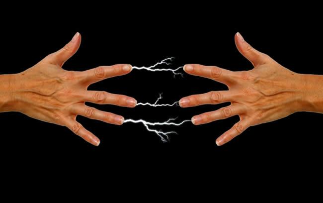toque-electrico-personas